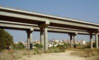 Highway_6_Narbeta_bridge_and_Meiser_b1.jpg