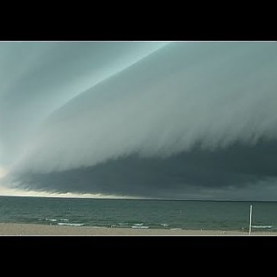 Incredible Breathtaking Shelf Cloud comes ashore in Grand Haven, MI on July 18, 2010 - YouTube