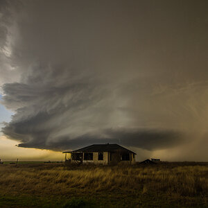 Supercell and a Abandoned home!!!!